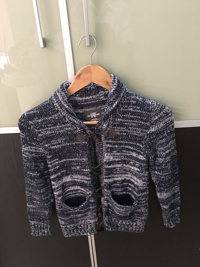 a17cd922d Pre loved H M boy sweater jacket size 6-8Y