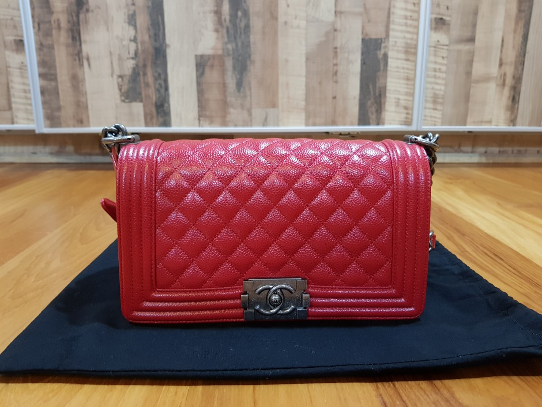 8c105577889388 RENT Chanel Boy Old Medium in Red Caviar, Luxury, Bags & Wallets, Sling  Bags on Carousell