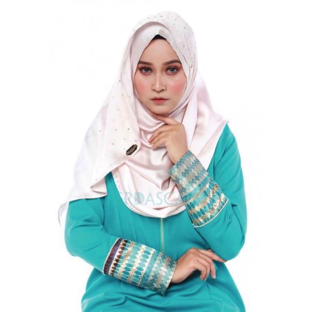 Satin Instant Shawl Champagne Womens Fashion Muslimah On Minimal Floral Pearls Cap Sleeve Dress Biru M Carousell