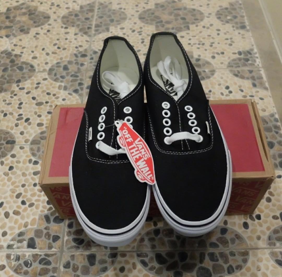 08d79266c1cd22 SALE SALE !! STOCK LAMA   Vans Authentic Classic Black White