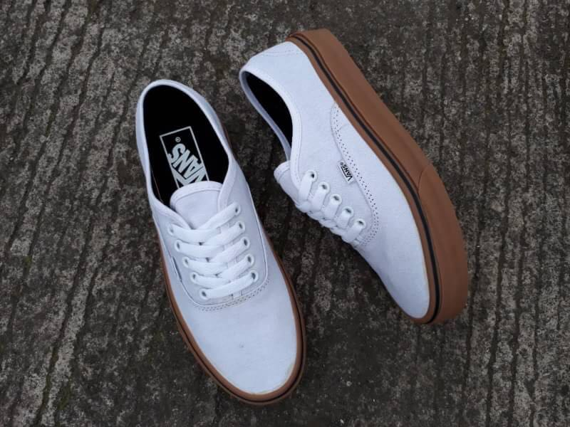 VANS AUTHENTIC WHITE/GUM