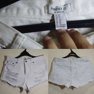 Hot pants wanita