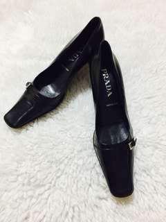 Authentic Prada Pointed Leather Shoes