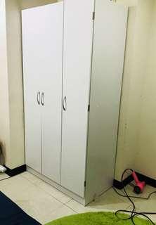 純白木質衣櫃割愛