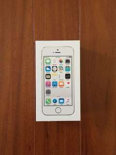 NEW iPhone 5s White 16gb UNLOCKED STILL IN BOX