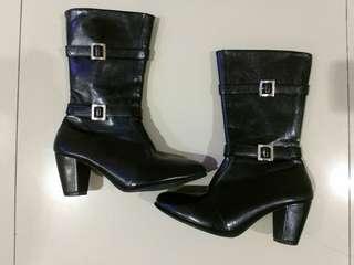 Sepatu Boots wanita Black