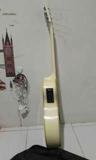 Gitar accoustic Yamaha ori