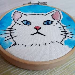 Hand crafted embroidery - Blue eyed cat