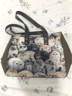 Hennry Cats & Friends Tote Bag