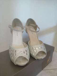 [used once] silver heels (4 inches)