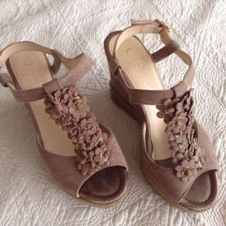 UNISA Gold Brown Shoes Wedges