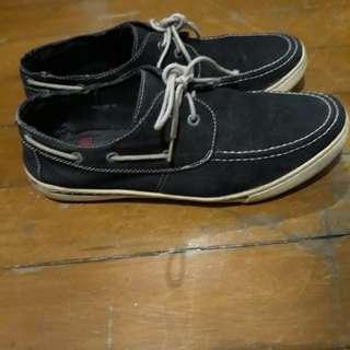 Trod Sneakers 9M US