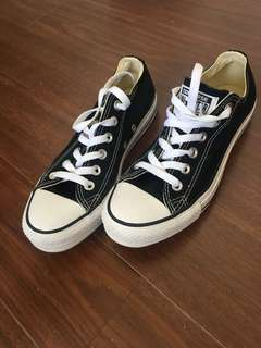 Black converse size 7