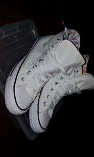 Converse shoes *SPECIAL EDITION*