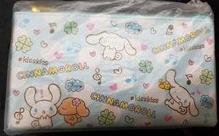 新款 Sanrio 肉桂狗化妝袋/筆袋/小物袋