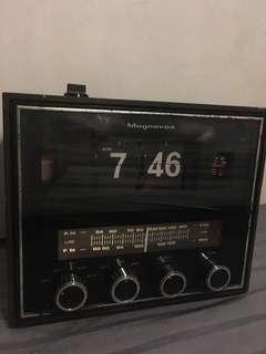 美國MAGNAVOX 老翻頁鐘收音機