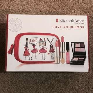 Elizabeth Arden Makeup Set - Palette & Lipsticks
