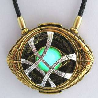 [FREE DELIVERY] Avengers: Infinity War Dr Strange Luminous Glowing Agamotto Necklaces Cosplay