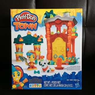 Brand New Playdoh Town Firehouse