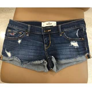 Preowned 100% Authentic Hollister Demin Shorts (Waist Size 26)