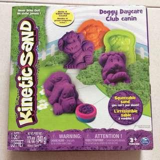 Brand New Kinetic Sand Doggy Daycare Club