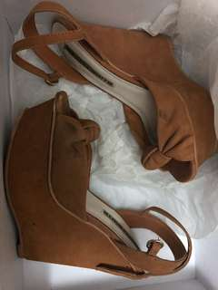 Windsor Smith tan heels real leather