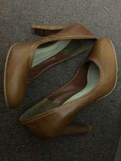 Raspini brown leather heels