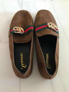 instock/flat Shoes