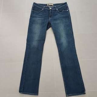 Genuine Levi's Revel Demi Curve Straight Cut size 30