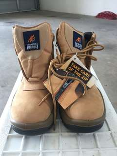 Mongrel work boots