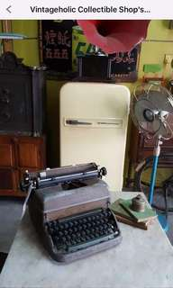 Typewriter Antik