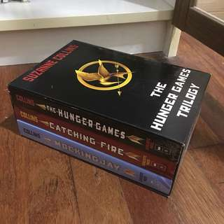 The Hunger Games Trilogy Series (LIKE NEW)