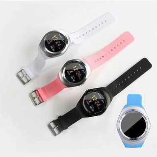 Y1 SMART WATCH    P750 1Pink、1Blue、2White available First come first service  With sim slot With memory slot Call and text, mp3 other apps