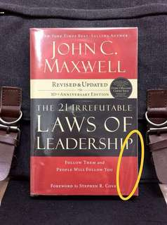 # Highly Recommended 《New Book Condition + Revised & Updated 10th Anniversary Edition》 John Maxwell - THE 21 IRREFUTABLE LAWS OF LEADERSHIP : Follow Them and People Will folliw You