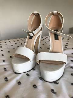 Forever new block heels size 40 Worn once rrp $99.95