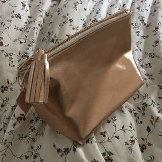 Typo Rose gold pouch