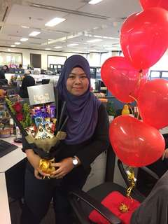 bouquet with 2 roses + set helium belon