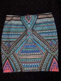 Patternd tight fitting skirt