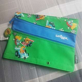 Smiggle pencil case in green