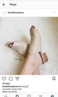 Bembibloopsboes heels.