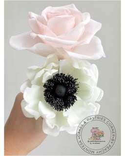 Sugarpaste flower for Cake Toppers