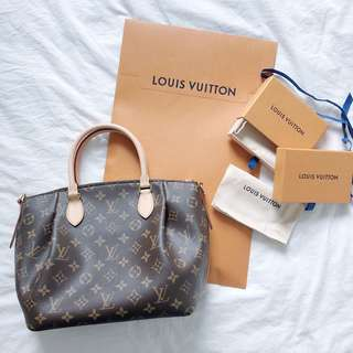 LV Turenne PM Size