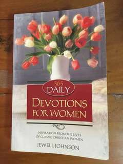 365 daily devotions for women by jewell Johnson - book