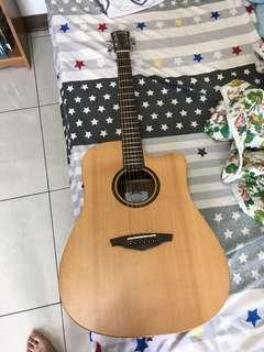 🚚 Veelah v1可插電木吉他