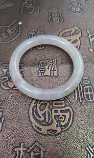 天然冰糯種玉環,可作BB手鈪,通透、聲音清脆,$380。