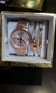 Women's Watch with bangles