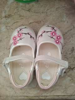 Baby shoes size 21