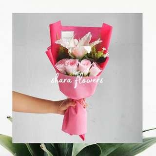 Bouquet bunga wisuda