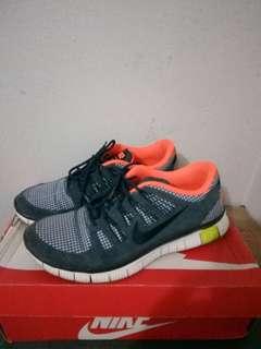 Sepatu Nike free 5.0 Leather