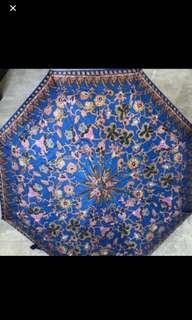 Singapore Airlines umbrella